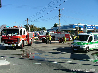 WA FRS Heavy Pumps Kensington and Perth HPs on scene at a multiple vehicle accident in Vic Park.