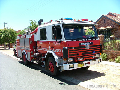 Bassendean's Heavy Pump at Kalamunda station, pre-deployed for the large Pickering Brook Fire. 3 Stations were standing by at Kalamunda Station as a property protection task force as the fire burnt through forest on the Sunday. It was the following Day, Monday when the fire impacted severely on properties.