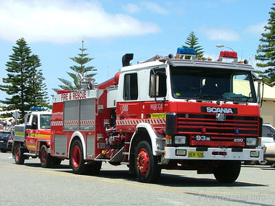 WA FRS Fremantle Heavy Pumper driving the streets of Fremantle near their station.