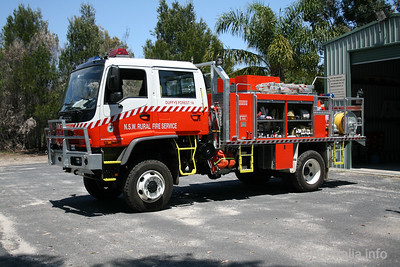 NSWRFS Duffys Forest 1 Tanker. Warringah Pittwater District.  Photo 2007