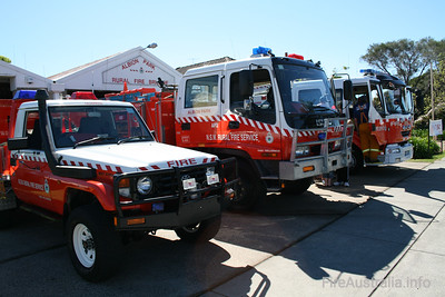 NSW RFS Albion Park Pumper, Cat 2 and Calderwood 7