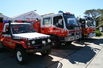 NSW RFS Albion Park Pumper, Cat 2 and Calderwood 7