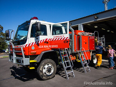 NSWRFS Ku-ring-gai 1A Tanker. Built Oct/2007 by Kuipers Engineering. Body No. KE-M 13116/2. Body Model No. 012004ASTEEL  Photo Sep 2013