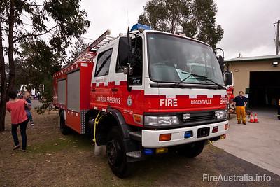 NSW RFS Regentville Pumper