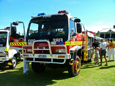 Cue FRS Urban Tanker Cue's new 3.4U Tanker on display prior to delivery - at the Easter Championships in Fremantle.  Photo April 2004