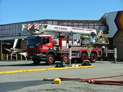 Fremantle CLP on scene of WA Salvage Embleton Fire