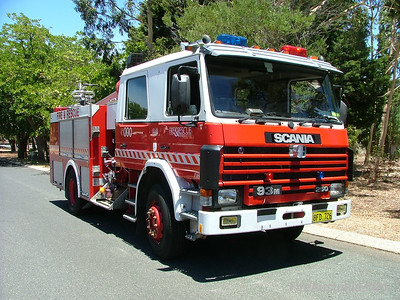 WA FRS Duncraig Duncraig's Heavy Pump at Kalamunda station, pre-deployed for the large Pickering Brook Fire. 3 Stations were standing by at Kalamunda Station as a property protection task force as the fire burnt through forest on the Sunday. It was the following Day, Monday when the fire impacted severely on properties.
