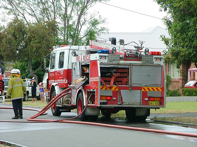 WA FRS Perth HP Perth's Heavy Pump at a structure fire in Rivervale