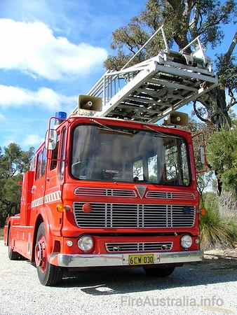 WAFB MUS18 - AEC Merryweather Ladders