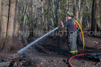 North Reading, MA 2nd Alarm Brush Fire - End of Locust St off Linwood St - 4/21/16