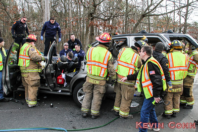 MVA 1-14-17 Mastic Rd and Hawthorne St