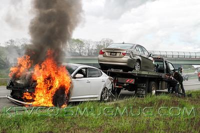 Yapank Car Fire 5-9-17, LIE eastbound exit 65