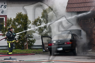 2012, April 11 - Vehicle Into Building & Fire, Lyell Ave (Gates) (4285)