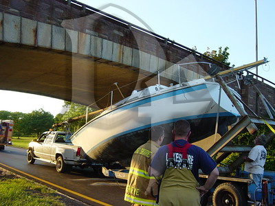 2005, September 20 - MVA, Boat vs Bridge, Lake Ontario State Parkway @ Greenleaf Rd, Lake Shore Fire District, Greece, NY (4356)