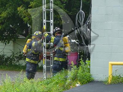 2003-09-05, Building Fire - 4651 Lake Ave (Rochester)(DSC00707)
