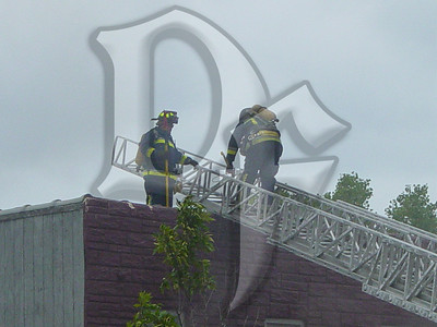 2003-09-05, Building Fire - 4651 Lake Ave (Rochester)(DSC00703)