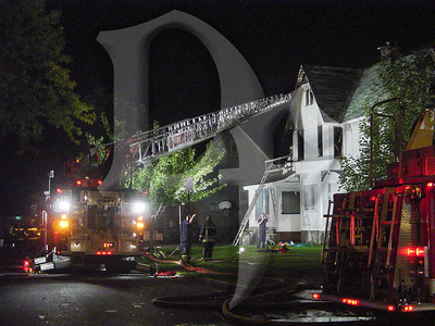 2003-10-10, 2 Alarm House Fire - West Ave (Rochester)(DSC01068)