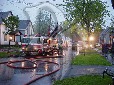2003-05-31, House Fire - 6th St (Rochester)(DSC00489)