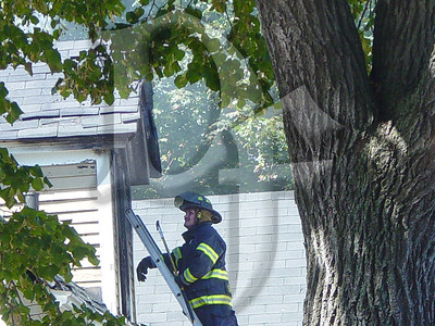 2003-09-09, House Fire - 17 Henry St (Rochester)(DSC00728)