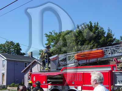 2003-09-09, House Fire - 17 Henry St (Rochester)(DSC00721)