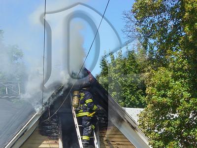 2003-09-09, House Fire - 17 Henry St (Rochester)(DSC00719)