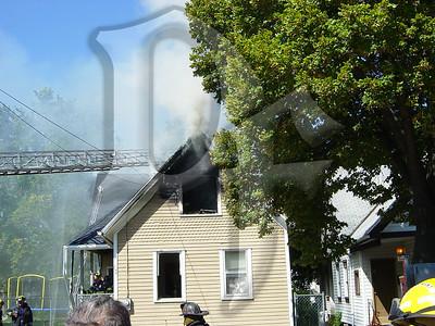 2003-09-09, House Fire - 17 Henry St (Rochester)(DSC00713)
