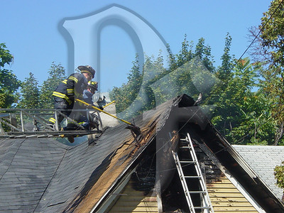 2003-09-09, House Fire - 17 Henry St (Rochester)(DSC00726)