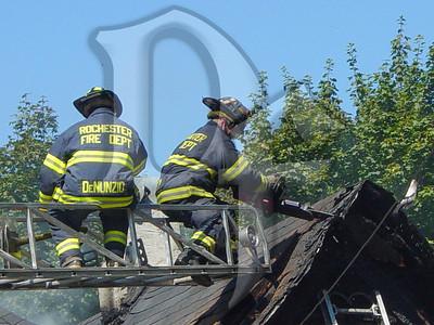 2003-09-09, House Fire - 17 Henry St (Rochester)(DSC00727)