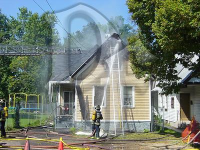 2003-09-09, House Fire - 17 Henry St (Rochester)(DSC00722)