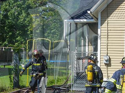 2003-09-09, House Fire - 17 Henry St (Rochester)(DSC00716)