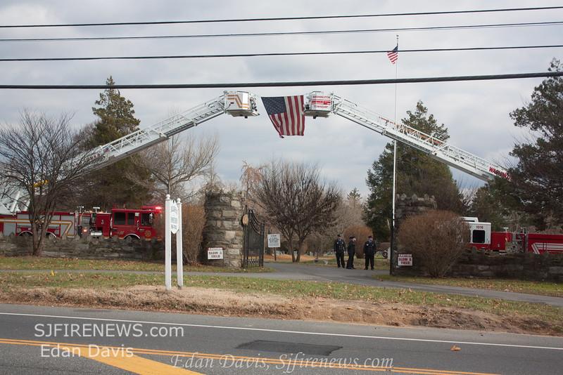 12-17-2014, Funeral Services for Aiden Riebel, (C) Edan Davis, www sjfirenews com  (102)