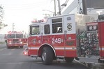 Oceanside Ladder 244 and Engine 249 on the scene of a Long Beach Road building fire [5-30-20].
