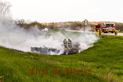 I43 Car and Grass Fire 5-18-14