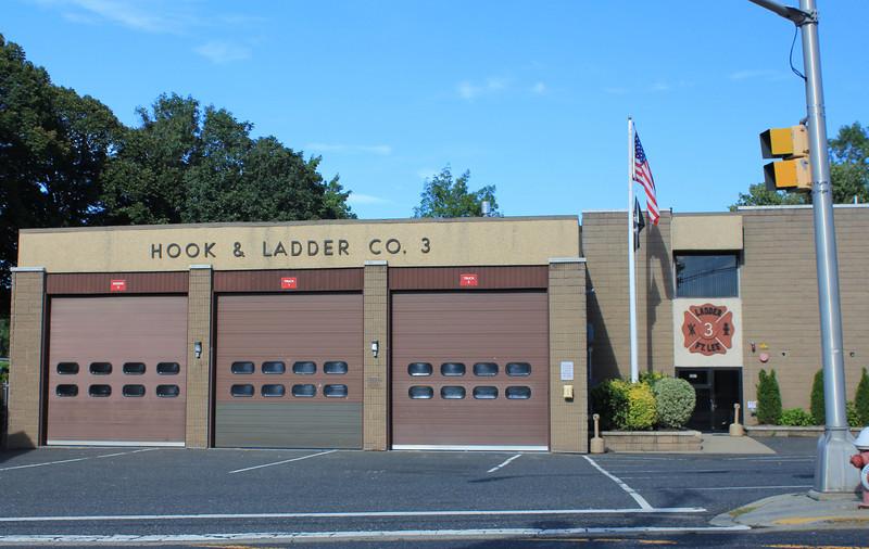 Fort Lee - Hook & Ladder Co # 3 - L1, T2, E3, Van 1