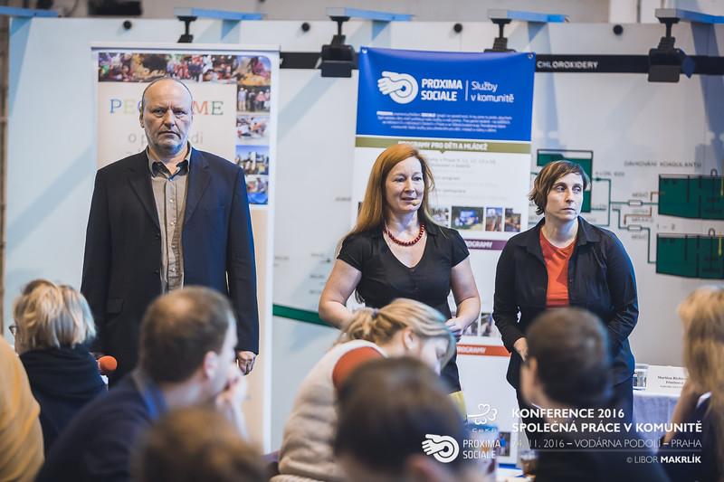 20161124-091059_0002-konference-2016-spolecna-prace-v-komunite