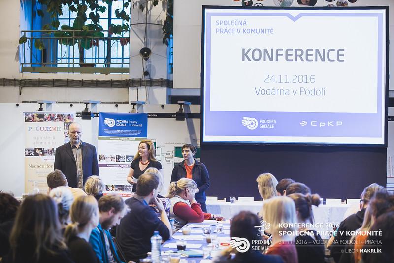 20161124-091346_0010-konference-2016-spolecna-prace-v-komunite