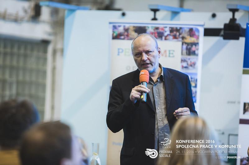 20161124-091457_0015-konference-2016-spolecna-prace-v-komunite