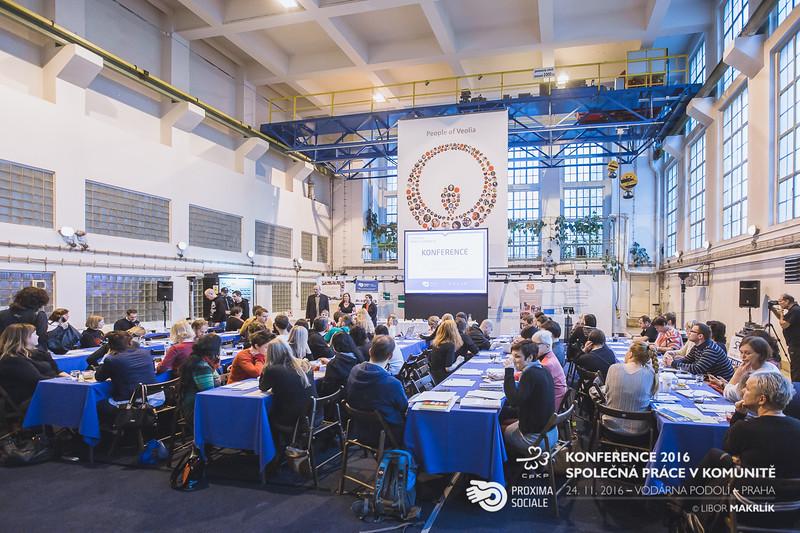 20161124-091132_0003-konference-2016-spolecna-prace-v-komunite