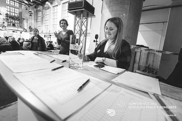 20161124-091321_0009-konference-2016-spolecna-prace-v-komunite