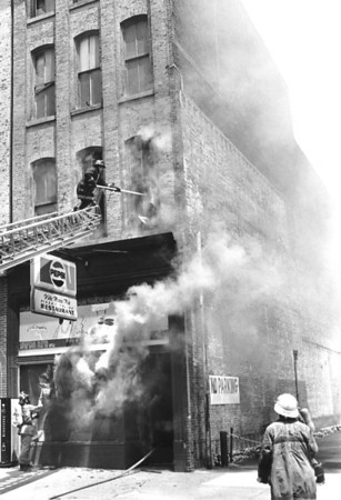 7.4.1985 - 13 North 5th Street, Vita Mamma Mia Pizza Shop