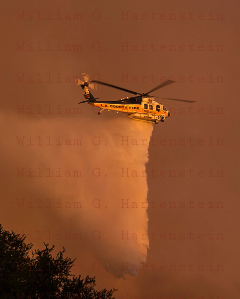 Sand IC Day 3 LACoFD Copter 15 drops off Placerita Cyn 07-24-2016