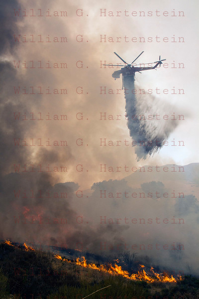 Sand IC Day 3 Heli Tender drops on spot fire on Placerita Cyn 07-24-2016