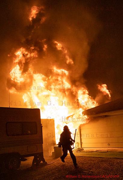 Woolsey Fire E535 on Dume Dr. Malibu, CA. 11-09--2018