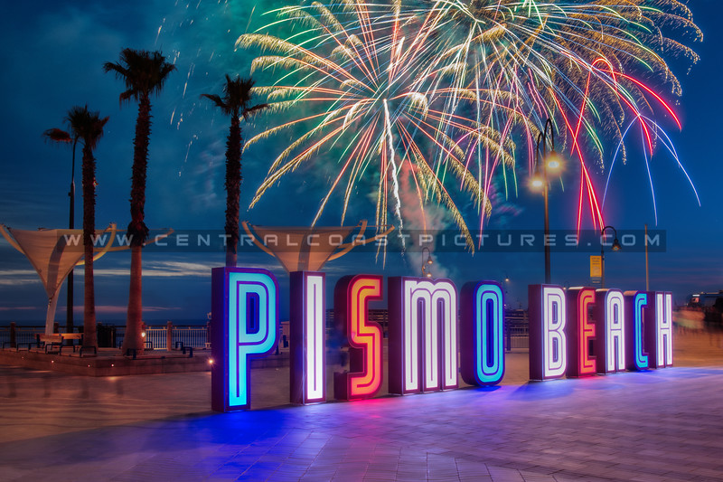 2021 4th fireworks pismo sign night 6340 copy