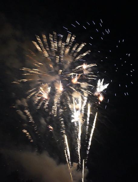 Bicentennial Fireworks 64