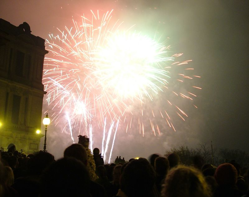 2004_1106allypallyfireworks20015