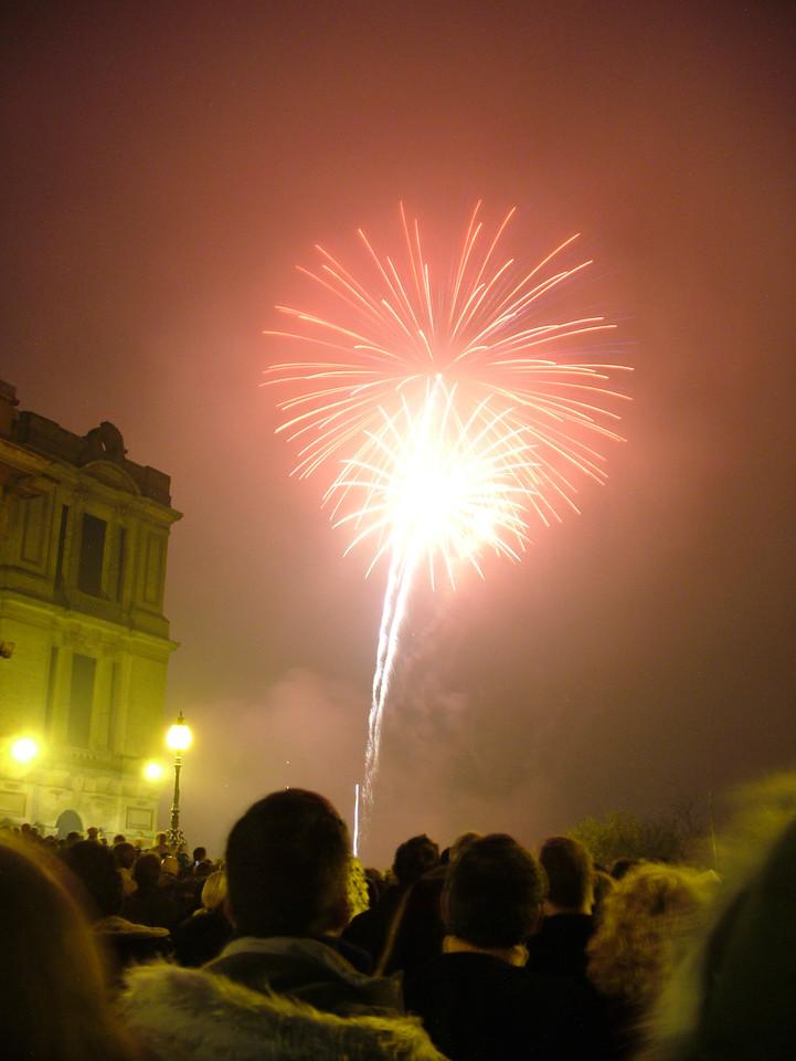 2004_1106allypallyfireworks0053