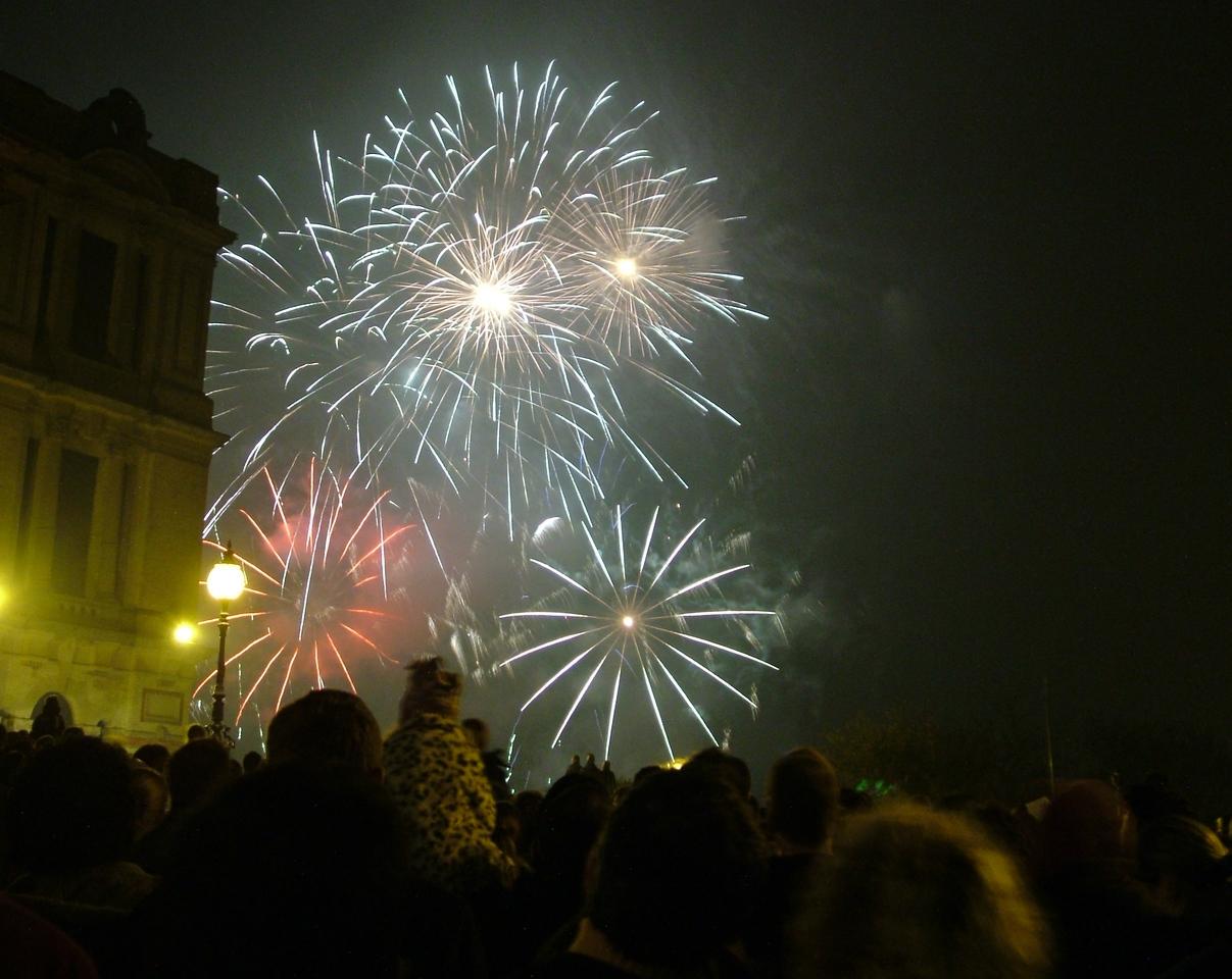 2004_1106allypallyfireworks20010