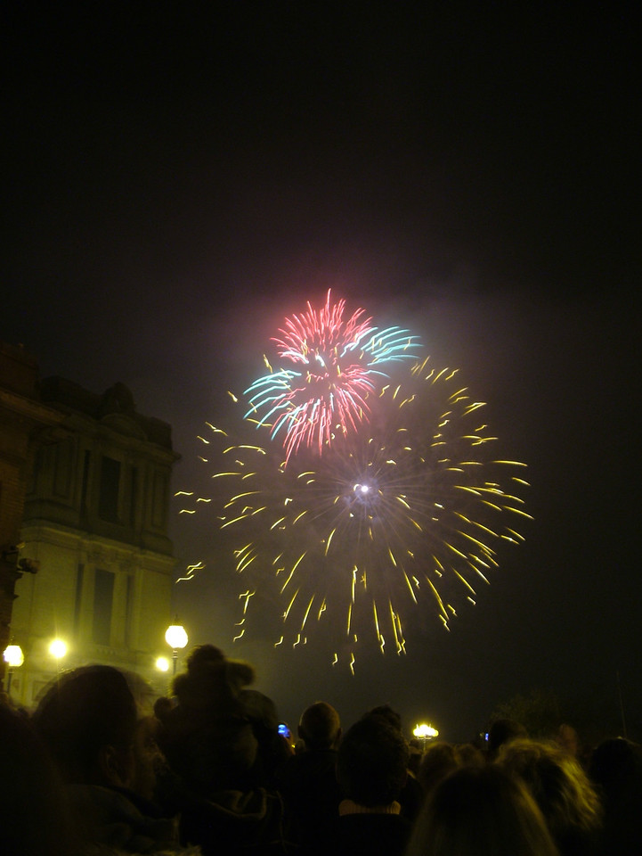 2004_1106allypallyfireworks0004