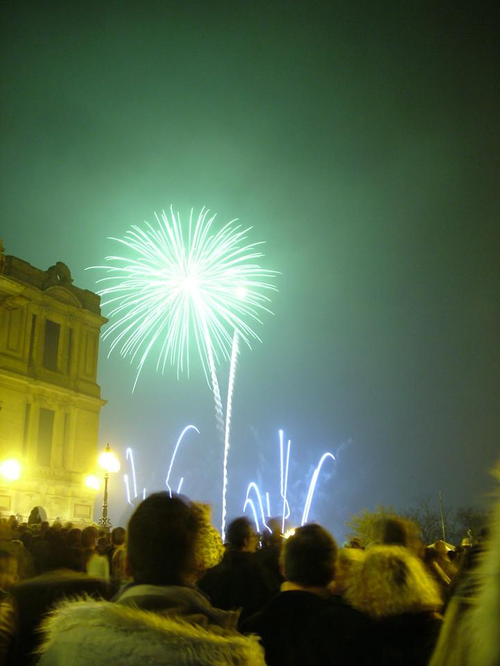 2004_1106allypallyfireworks0037